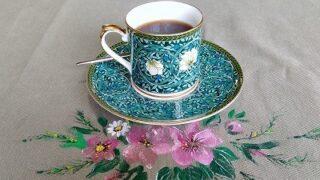 タイムアウト-海の景色を眺めながらコーヒーを